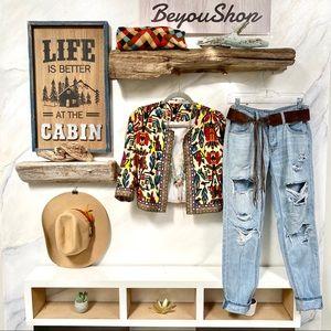 💙Amazing Distressed BOHO jeans w TOMBOY style